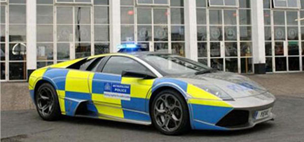4.在英国警队使用的兰博基尼Murcielago LP640:380000美元
