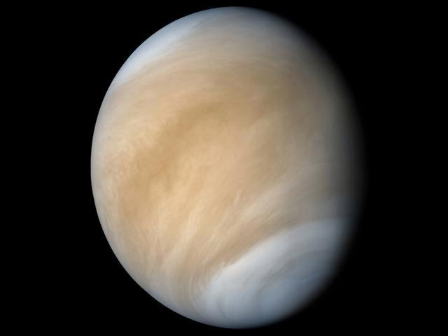 日本探测器发现金星大气层巨大弓型结构