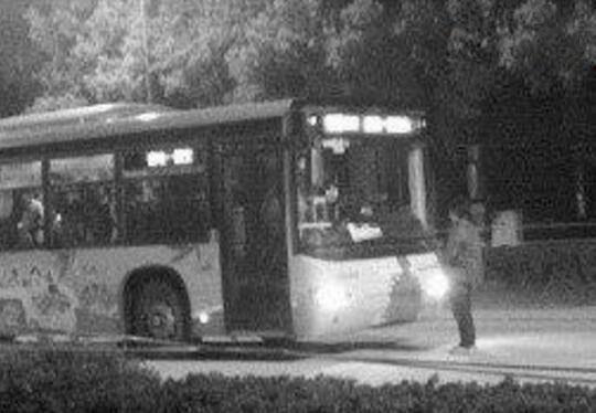 1995年北京375路公交车灵异事件,车内惊现厉鬼行凶(内附两个版本)