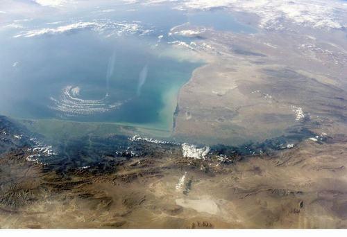 世界上最大的内陆湖:里海(面积约386400平方公里)