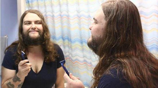 体彩查询长胡子的女人,放弃治疗后变得更性感